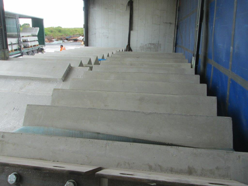 Precast concrete stair cores
