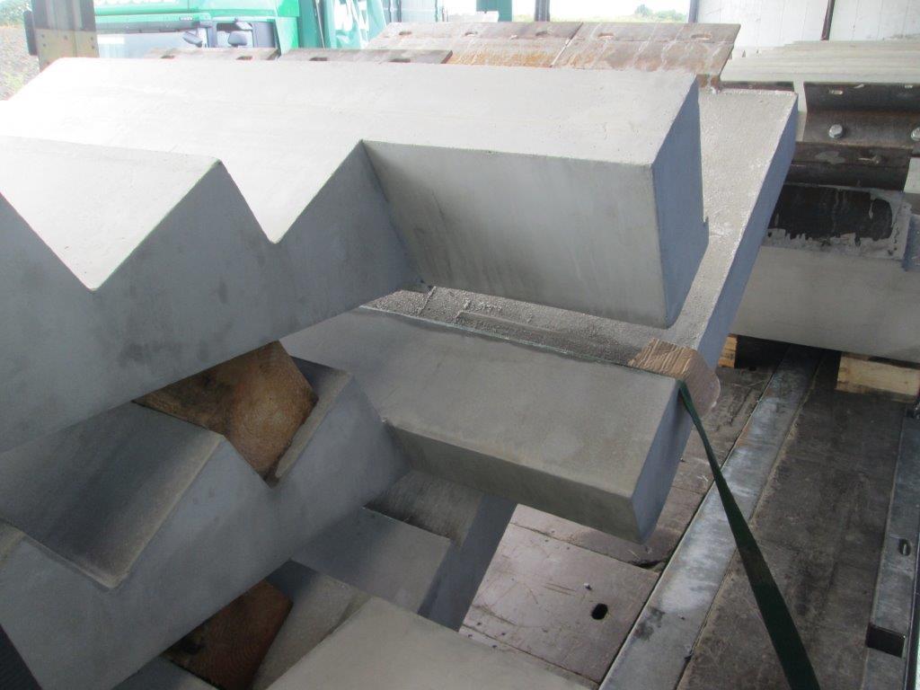 Flood Precast concrete staircases