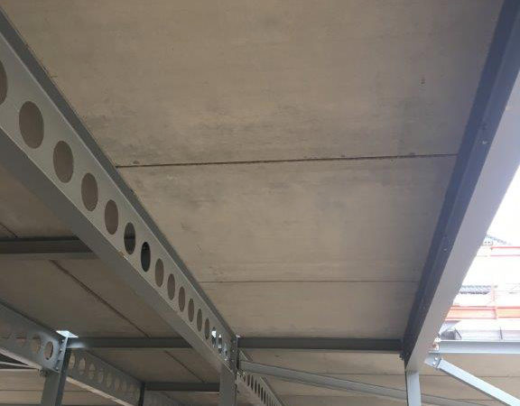 Precast pre-stressed solid floor slabs